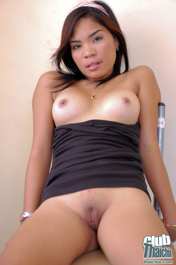 Pyramid showing porn sexy milf undressing